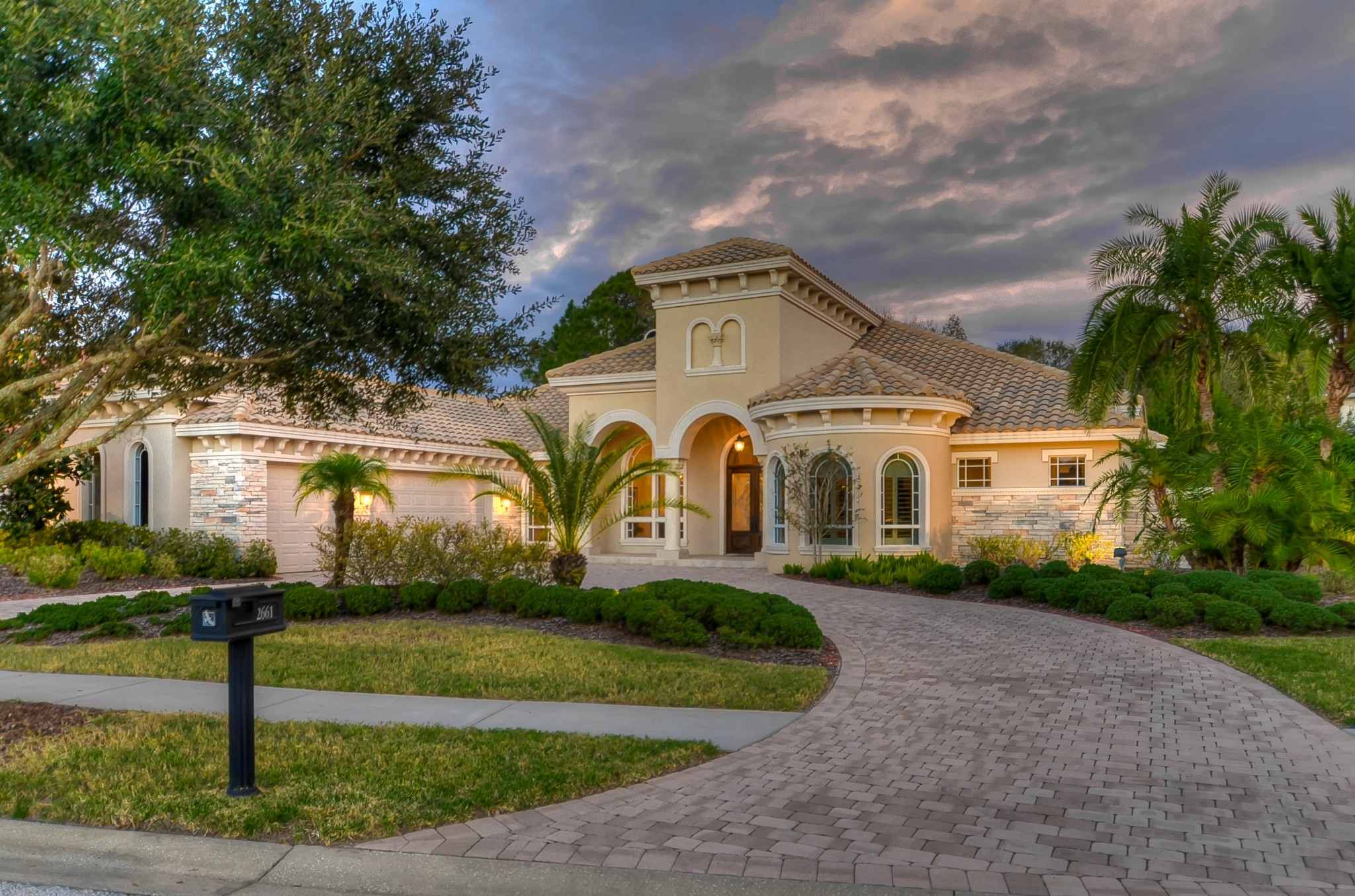 Real Estate Photographer Tampa Twilight 9